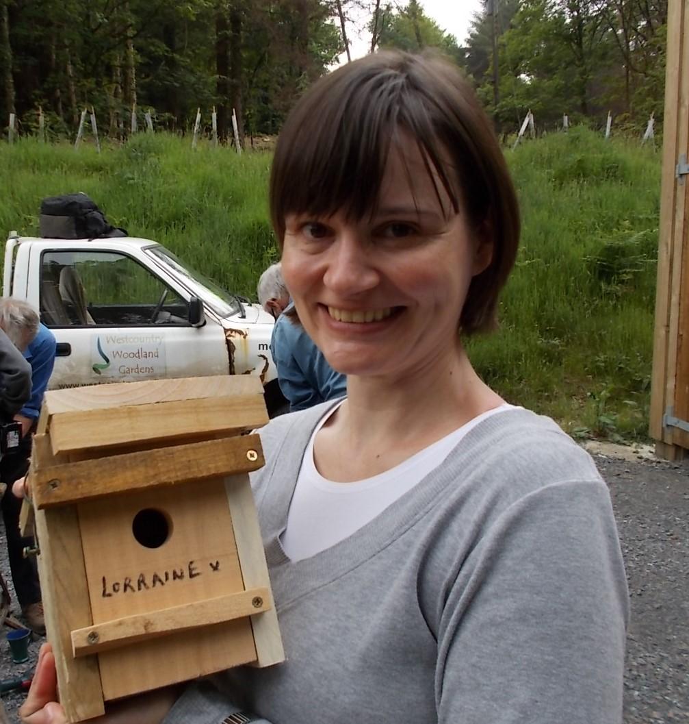 Lorraine proudly displays her handiwork (photo DR)